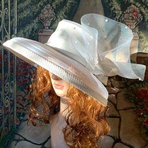 Whittall & Shon Ladies Hat